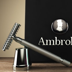 Logo design for AmbroleyOnline by Lukapepe